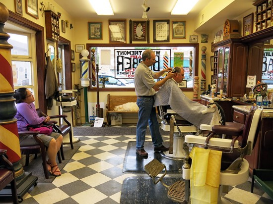Tremonte's Barber Shop in Wauconda, Illinois by Jets Like Taxis