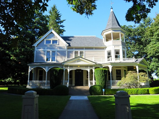 Officers Row in Vancouver, Washington by Jets Like Taxis