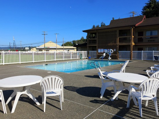 Red Lion Hotel in Coos Bay, Oregon by Jets Like Taxis