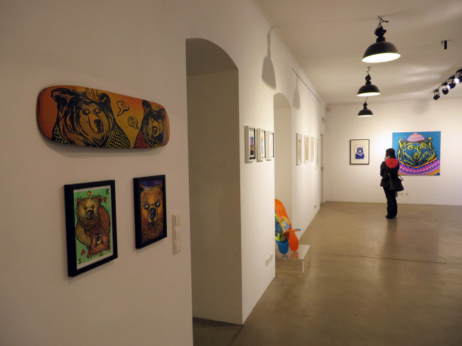 Thiago Goms and Karina Toledo at adhocPAD in Vienna, Austria by Jets Like Taxis