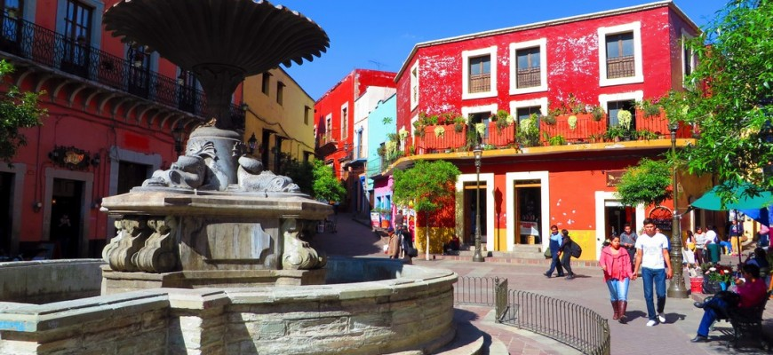 Guanajuato, Mexico by Jets Like Taxis