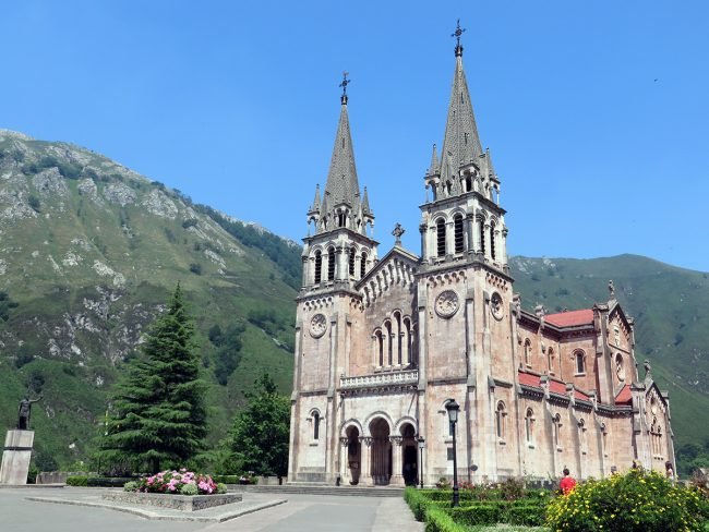 Covadonga, Spain by Jets Like Taxis