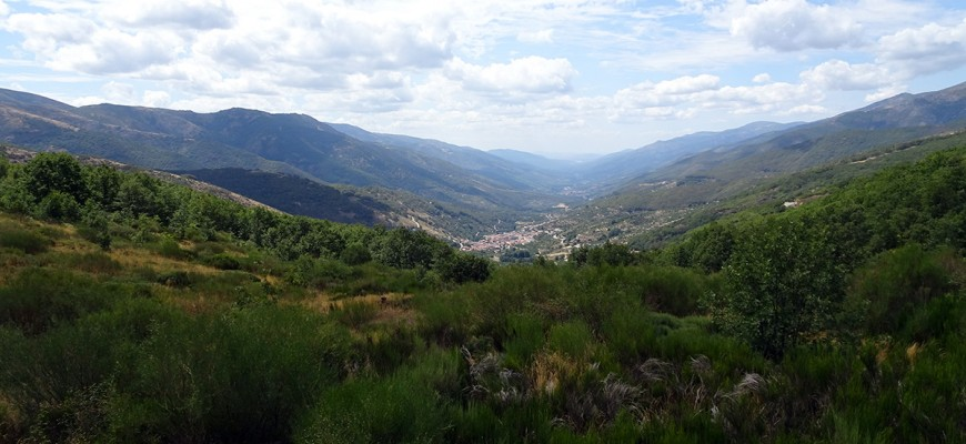 Valle del Jerte, Spain by Jets Like Taxis