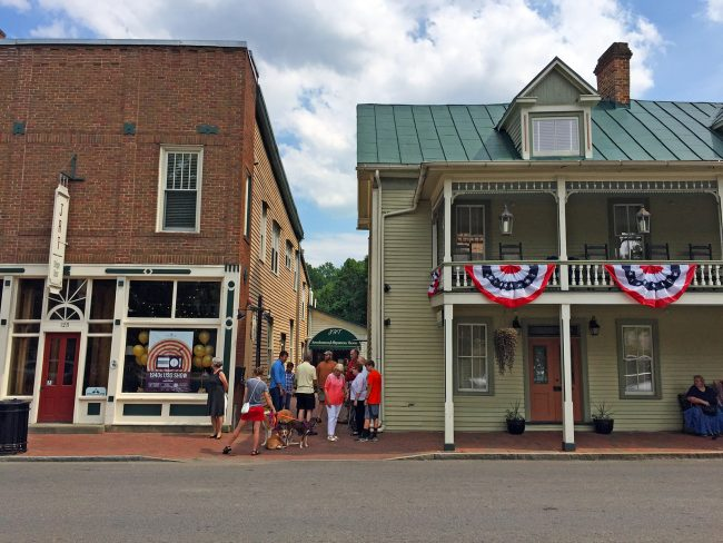 Jonesborough, Tennessee by Jets Like Taxis