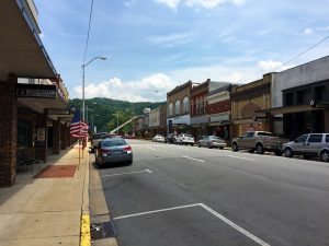 Elizabethton, Tennessee by Jets Like Taxis