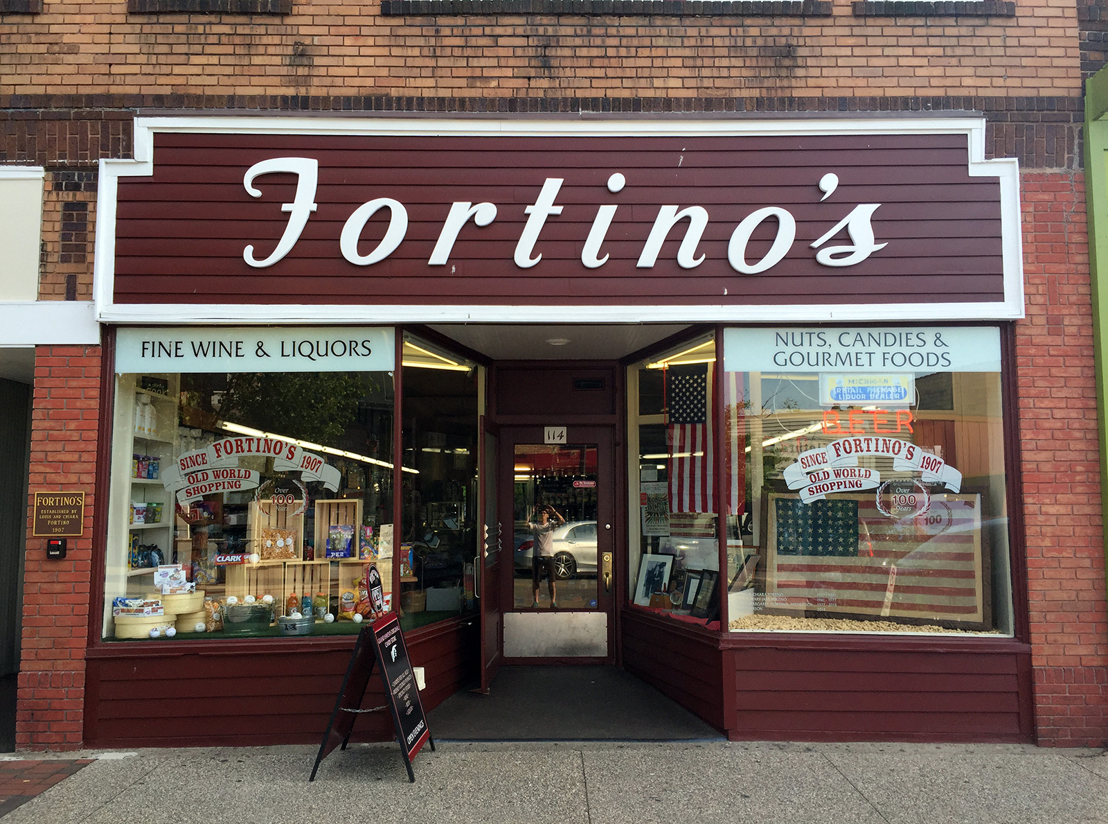 Fortino's in Grand Haven, Michigan by Jets Like Taxis