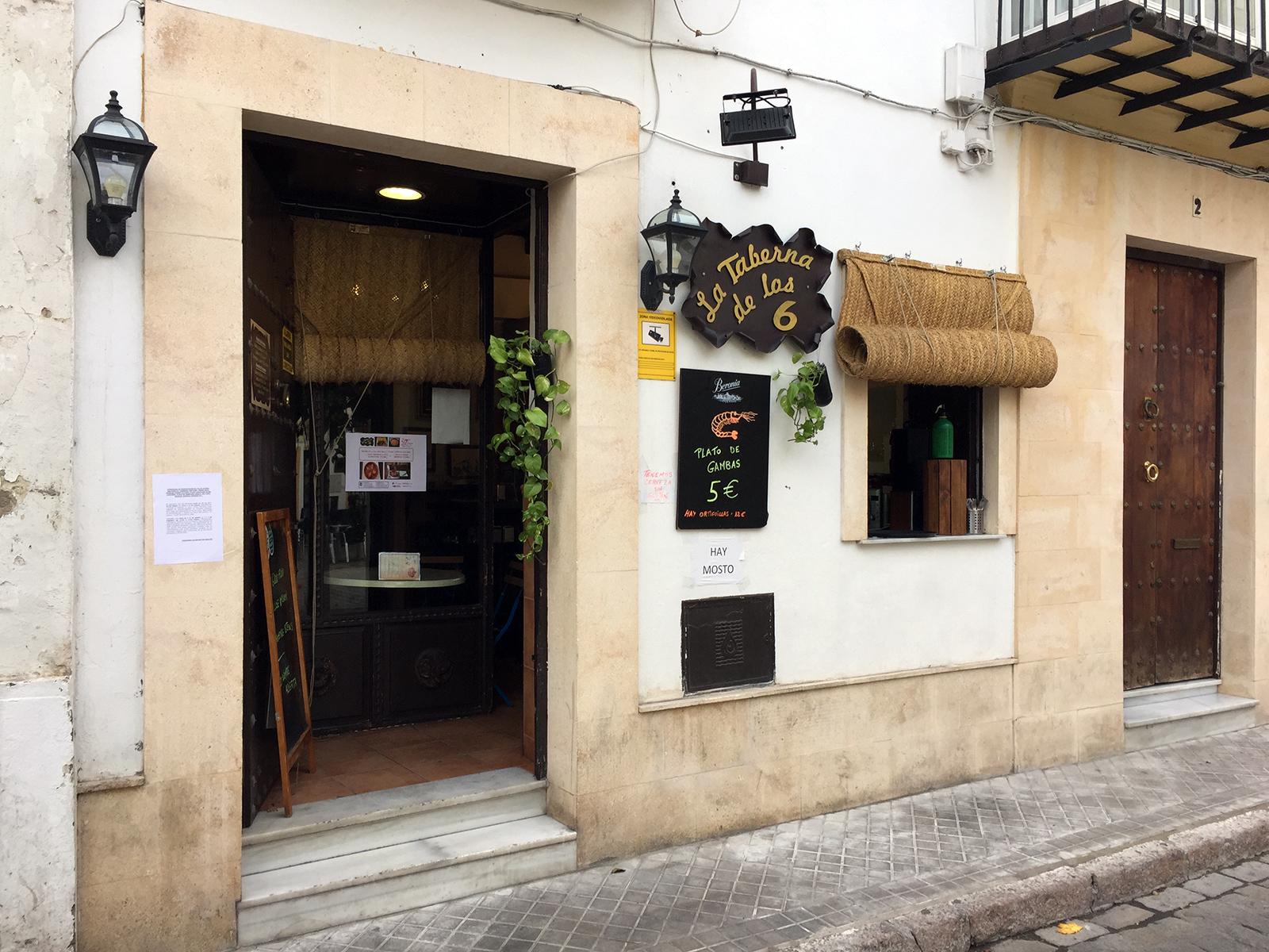La Taberna de las 6 in Jerez, Spain by Jets Like Taxis