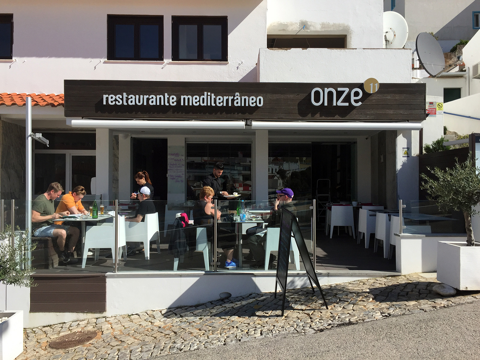 Onze Restaurant in Carvoeiro, Portugal by Jets Like Taxis