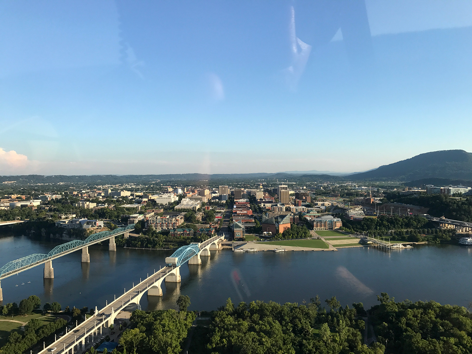 Helicopter Rides with Rock Creek Aviation in Chattanooga, TN by Jets Like Taxis